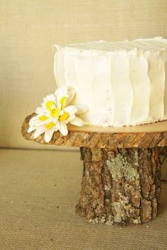 cake stand out of logs