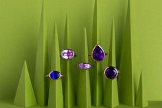 Using one color helps the jewelry stand out