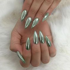Emerald Chrome  for @luviest #chromenails