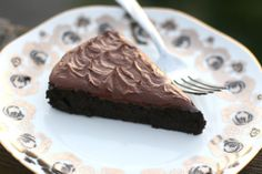 Amazing simple healthy chocolate cake that will totally satisfy your cravings without sugar! Its paleo gluten dairy sugar and nut free! Paleo Dessert, Healthy Sweets, Gluten Free Desserts, Just Desserts, Delicious Desserts, Yummy Food, Healthy Snacks, Cupcake Recipes, Cupcake Cakes
