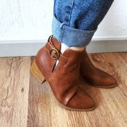 How to style boots Brown Ankle Boots, Blue Denim Jeans, Winter Outfits, What To Wear, Stylish, Fashion, Moda, Winter Clothes, Fashion Styles