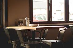 Camarera en restaurante.