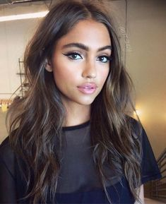dramatic winged liner, soft pink lips. love this look