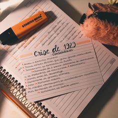 Resuminho em ficha da crise de 1929 Bullet Journal Notes, Bullet Journal School, School Motivation, Study Motivation, Planning School, Note Taking Tips, Mental Map, Creative Notebooks, Study Organization