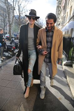 Kendall Jenner, her long coat style in Paris January Winter Outfits, Casual Outfits, Fashion Outfits, Womens Fashion, Fashion Styles, Nice Outfits, Casual Clothes, Stylish Couple, Fashion Couple