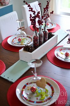 Christmas table decor @placeofmytaste.com