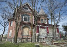 A 142-year-old lumber baron mansion at the edge of Saginaw, Michigan's downtown area has, once again, been saved from the wrecking ball, at least for a few months. The Saginaw City Council on May 9, 2016 overturned an April 25 decision to demolish the home at 633 S. Washington. The striking red brick Queen Anne has sat vacant for several years, though it once was home to pioneer Saginaw lumberman Charles Lee, Dr. Michael Ryan and later to actress and local eccentric Rosemary DeGesaro.