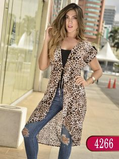 Blusa Colombiana - Ref. 252 -4266- Animal Print Mature Fashion, Look Fashion, Fashion Outfits, Animal Print Outfits, Animal Print Fashion, Dress Over Pants, Mode Kimono, Kimono Outfit, Dress Attire