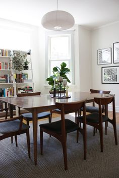 House Tour: A Graphic Modern Chicago Home | Apartment Therapy