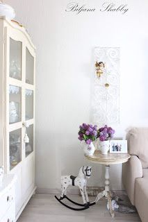 Romantic home: Shabby chic style Romantic Homes, Shabby Chic Style, Shabby Chic Furniture, Curtains, Shower, Home Decor, Rain Shower Heads, Blinds, Decoration Home