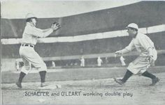 1909 Wolverine News Postcards Detroit Tigers PC773-3 #18 Schaefer and O'Leary working double play Front