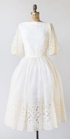 vintage 1950s ecru eyelet organza wedding dress