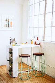 The end shelves of the counter is a great idea to add more open storage space in the kitchen. @ 10 New Trends You Probably Haven't Tried Yet via @domainehome