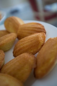 A taste of France: Madeleines in London - Celebrating Bastille Day around the world - www.MyFrenchLife.org #french #france #yum