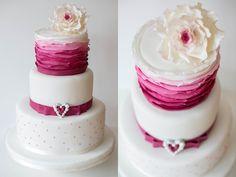 Hochzeitstorte weddingcake Heike Krohz Ombrefarbverlauf Ruffles Vintage