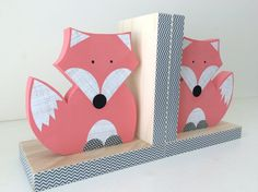 Fox Bookends, Coral Pink and Gray, Girl Woodland Nursery, Woodland Kids Decor, Fox Nursery, Forest Themed Nursery, eco friendly Pink foxes for baby girls books  :-)