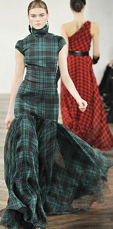 Ralph Lauren, love the use of tartan on a maxi/fishtail - so unusual, perfect with a high, curly ponytail High Fashion, Fashion Show, Fashion Design, Fashion Trends, Gothic Fashion, Tartan Mode, Dress Skirt, Dress Up, Dress Boots