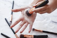How to Clean your Makeup Brushes Properly - The Chriselle Factor