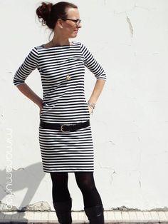 Genau wie die Kinder, hab' auch ich's geschafft für Palmsonntag ein nagelneues Outfit zu haben! Schwarz weiss und gestreift - halt eigentli...