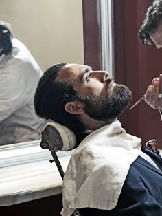 if I had a beard like that, it would be a pure pleasure having it groomed and trimmed by a  (gorgeous) barber on a regular basis....