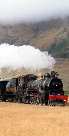 The Kingston Flyer -Classic Steam Locomotive in Action - NZ - Train Art, By Train, Train Tracks, Train Rides, Locomotive Diesel, Steam Locomotive, Motor A Vapor, South African Railways, Old Steam Train