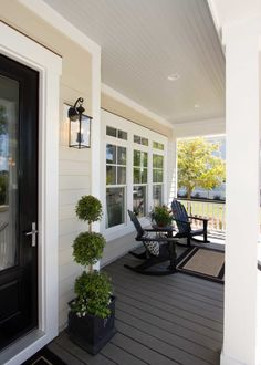 Minimalist Traditional Porch Design Ideas – TRENDUHOME – farmhouse front door with screen Tan House, Porch Paint, Traditional Porch, Porch Flooring, Oak Flooring, Building A Porch, Patio Interior, Luxury Interior, House With Porch