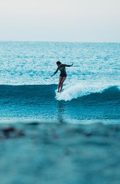 It's always been about the dance... K.Meador wetsuits #ROXYwetsuits
