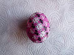 Velikonoční kraslice růžové / Zboží prodejce Maruska5555   Fler.cz Egg Tree, Egg Decorating, Different Styles, Easter Eggs, Wax, Projects To Try, Drop, Patterns, Crafts