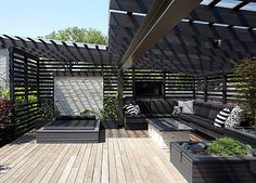 Chicago rooftop terrace and pergola. Chicago rooftop terrace and pergola. Rooftop Terrace Design, Rooftop Patio, Rooftop Gardens, House Gardens, Backyard Bbq, Outdoor Rooms, Outdoor Living, Outdoor Decor, Outdoor Fire