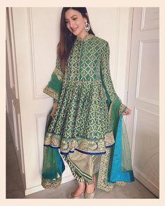 Pakistani Suits For All Occasions – Fashion Asia Pakistani Dress Design, Pakistani Outfits, Indian Outfits, Stylish Dresses, Nice Dresses, Fashion Dresses, Punjabi Fashion, Indian Fashion, Short Frocks