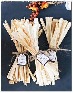 Corn Husk Fall Tablesetting, table place card tags, free printable