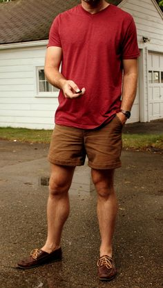 40 Trendy Casual Mens Fashion Ideas for Summer - Brown Shorts Outfit, Casual Shorts Outfit, Outfits Casual, Mode Outfits, Short Outfits, Mens Shoes With Shorts, Stylish Men, Men Casual, Mens Clothing Styles