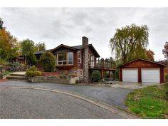 Houses for Sale Kelowna Listings - jennifer-black.com - $589900.00 - 977 Garland Street, 2 Bedrooms / 3 Bathrooms - 2240 Sq Ft - Single Family in Kelowna - Contact Jennifer Black Direct: 250.470.0377, Office Phone: 250.717.5000, Toll Free: 1.800.663.5770 - This custom home has been extensively renovated with hardwood flooring - http://jennifer-black.com/residential-listings/
