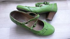 I love green shoes :o)