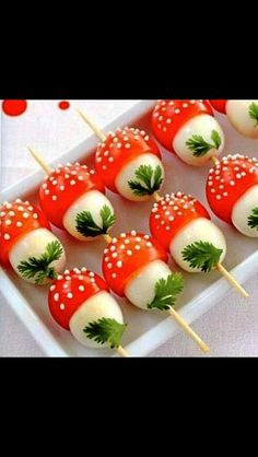 If you want to emphasize on creative and interesting touch , then look at our easy and fun appetizers and snacks recipes. Every kids party needs a fun and Cute Food, Good Food, Yummy Food, Healthy Food, Snack Recipes, Cooking Recipes, Easter Recipes, Recipes Dinner, Brunch Recipes