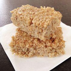 Voici la recette pour des barres de proteines bien moelleuses au bon gout de vanille Ingrédients: 1 cup de farine d'avoine ou de son d'avoine 2 cs de proteine de pois à la vanille 1/4 cc de sel 1/2 cc de bicarbonate de soude 2 cs de fructose 4 blancs...