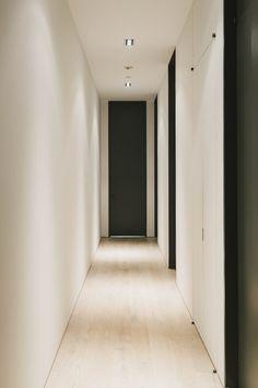 39 White Street - Raad Studio - Light floors & walls, dark doors