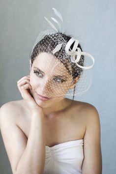 Braut haarschmuck mit schleier  Braut Fascinator mit Federn, Hochzeit Schleier | Hochzeit schleier ...