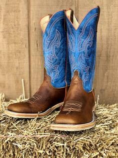 Check out this great new style from Anderson Bean! Nice enough to be worn as a dress boot, but durable enough for a work boot with its' Vibram Crepe sol. Cowboy Boots Square Toe, Cowgirl Boots, Western Boots, Country Boots, Cowboy Boots For Men, Mens Square Toe Boots, Riding Boots, Denim And Lace, Clarks Boots