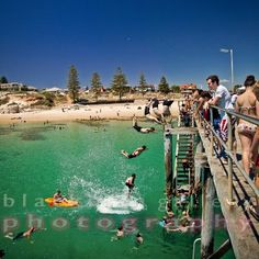 Jetty Jumping from the Jetty Jumping Pole Port noarlunga STAY at WATERFRONT