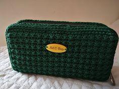 Crochet Wallet, Crochet Clutch, Crochet Handbags, Crochet Purses, Crochet Flower Patterns, Crochet Art, Crochet Pencil Case, Crochet Videos, Nylon Bag