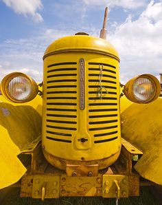 Big Yellow Tractor | David Brown Tractor. Photo by Bawmer.