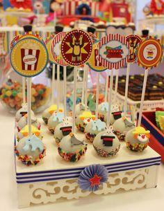 Circus Cake Pops Violeta Glace