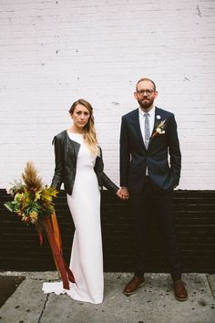 Chic + urban bride and groom style in New York | Image by Alyssa McElheny Photography