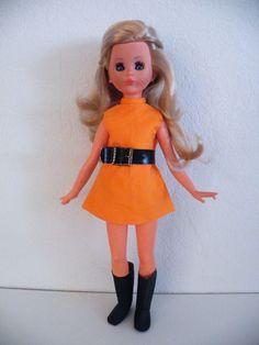 Italocremona Corinne, prachtige vintage fashion doll in leuke kleding, 37 cm