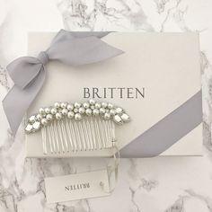 Pearl flower wedding hair comb