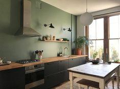 Black Ikea Kitchen, Ikea Kitchen Design, Ikea Kitchen Cabinets, Loft Kitchen, Kitchen Wall Colors, Green Kitchen, Kitchen Cabinet Design, Black Kitchens, Kitchen Redo