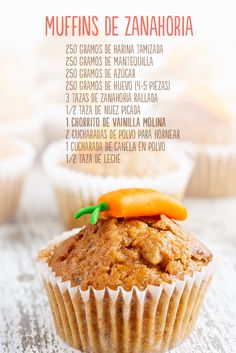 These muffins are a delicious way to eat carrots! First, we put … - Cupcakes Köstliche Desserts, Healthy Desserts, Delicious Desserts, Dessert Recipes, Yummy Food, Deli Food, Le Diner, Kitchen Recipes, Cooking Time
