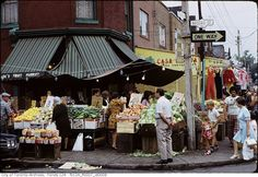 vintage everyday: Pictures of Kensington Market in Toronto, Canada in the 1970s