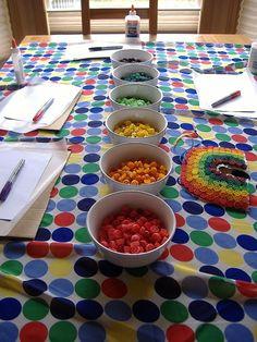 Kiss Me I'm Irish rainbow pasta Crafts To Do, Crafts For Kids, Easy Crafts, Rainbow Pasta, Rainbow Parties, Rainbow Theme, Rainbow Birthday, St Patricks Day, St Pattys